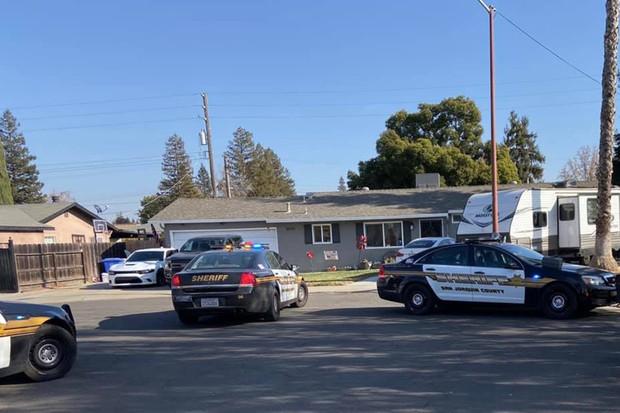 Đang học online bình thường, cậu bé lớp 5 bất ngờ nổ súng vào đầu tự sát khiến nhiều người kinh hãi, cảnh sát vào cuộc tìm hiểu nguyên nhân - Ảnh 1.