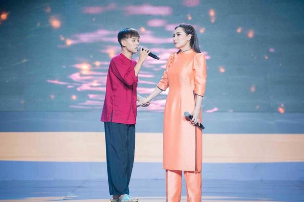 Phi Nhung lo Hồ Văn Cường sẽ lây đào hoa từ nghệ sĩ bậc cha chú - Ảnh 6.