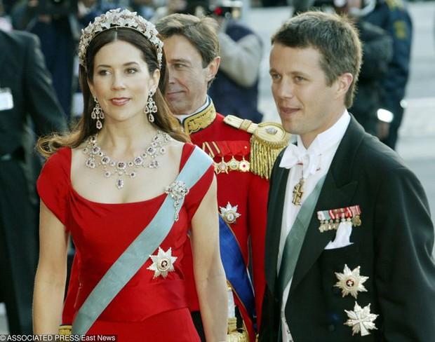 Dù có xuất thân hoàng gia cao quý, các nhân vật công chúa hoàng tử này cũng làm những công việc rất đỗi bình thường như bao người khác - Ảnh 5.