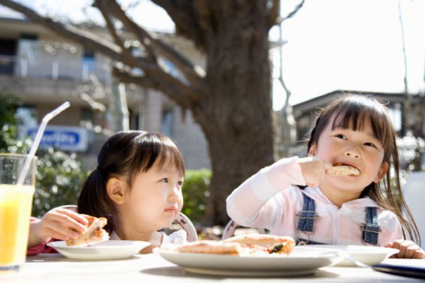 Con gái 10 tuổi đã mắc ung thư ruột, mẹ ân hận khi bác sĩ nói nguyên nhân gây bệnh đến từ kiểu ăn sáng tai hại này - Ảnh 4.