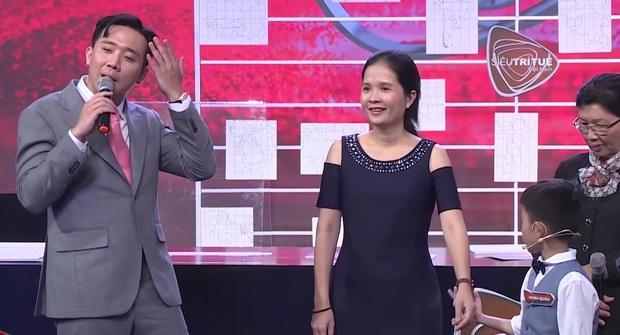 Trấn Thành vấp tranh cãi vì phát ngôn dạy hư trẻ trên Siêu Trí Tuệ Việt Nam - Ảnh 1.