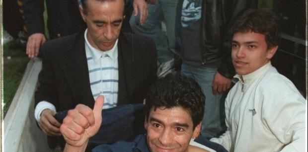 Bạn thân khẳng định Diego Maradona vẫn còn 2 người con chưa được thừa nhận - Ảnh 1.