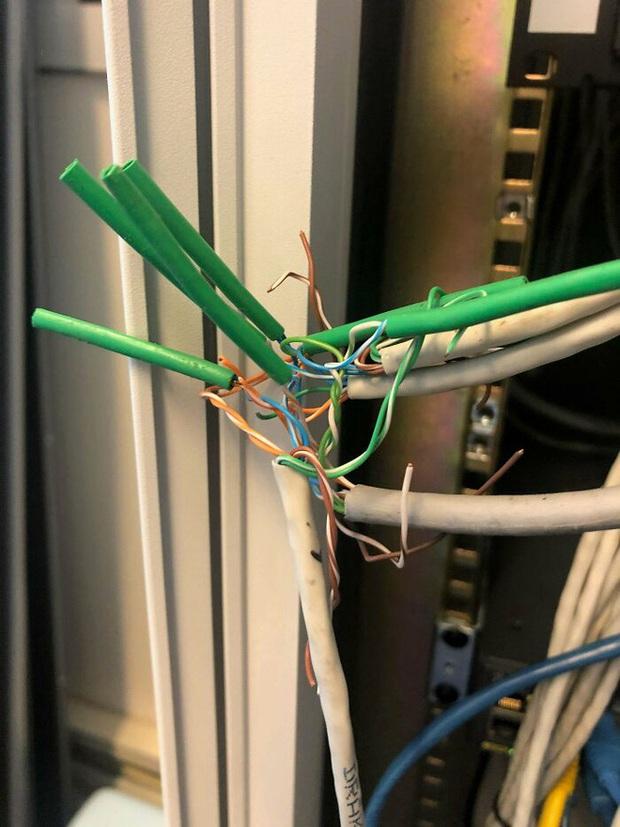 Những sự cố kỹ thuật khiến thợ sửa chữa lành nghề cũng chỉ biết lắc đầu ngán ngẩm - Ảnh 15.