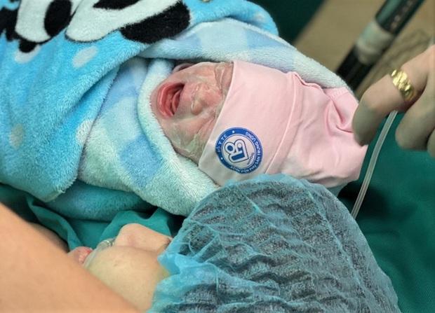 9 tháng 10 ngày kỳ diệu chiến đấu với ung thư để sinh con của người mẹ trẻ: Có con em mới có nghị lực để sống, để chữa bệnh - Ảnh 5.