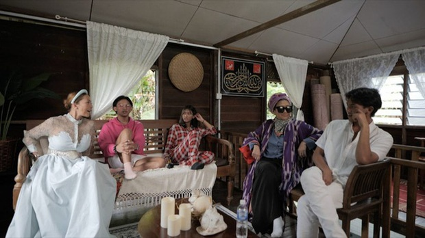 Cựu công nương Malaysia bị công chúng hắt hủi vì giả vờ có cuộc sống nghèo khó trên sóng truyền hình - Ảnh 5.