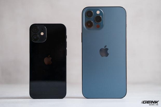 Trên tay chiếc iPhone bị người Việt ghẻ lạnh năm nay: Nhỏ tẹo bằng bàn tay, dùng một tay thì sướng, hai tay thì... sượng - Ảnh 10.