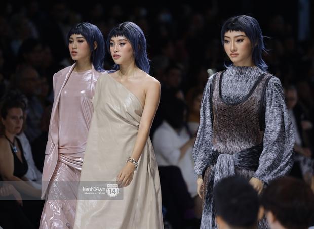 Dàn vedette toàn Hoa hậu khác tới nỗi không ai nhận ra, sốc nhất là visual của tân HH Đỗ Thị Hà trong show diễn mở màn cho AVIFW 2020 - Ảnh 11.