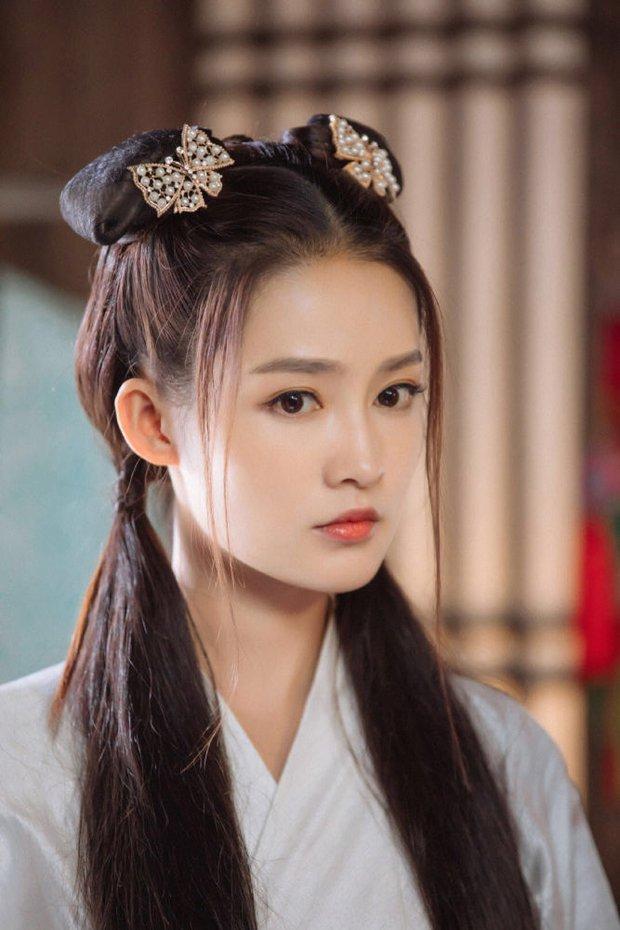 Lý Thấm một mình cân đẹp 4 kiểu nữ chính ở Lang Điện Hạ: Từ em gái nhà bên đến nữ cường hắc hóa đỏ cả mắt - Ảnh 2.