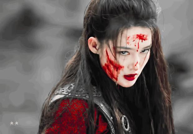 Lý Thấm một mình cân đẹp 4 kiểu nữ chính ở Lang Điện Hạ: Từ em gái nhà bên đến nữ cường hắc hóa đỏ cả mắt - Ảnh 11.