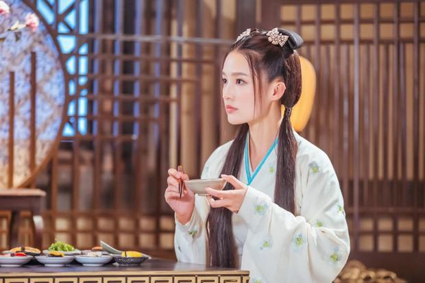 Lý Thấm một mình cân đẹp 4 kiểu nữ chính ở Lang Điện Hạ: Từ em gái nhà bên đến nữ cường hắc hóa đỏ cả mắt - Ảnh 3.