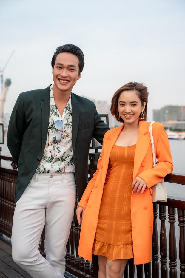 Bùi Anh Tuấn ngẫu hứng hát Acoustic trên du thuyền trong buổi ra mắt show thực tế mới - Ảnh 15.