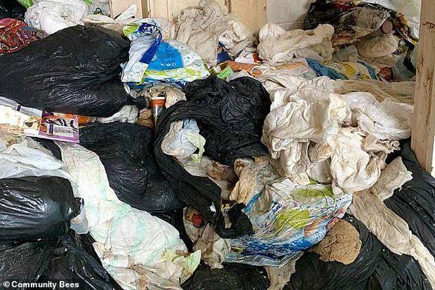 Ngôi nhà tích trữ 27 tấn rác trong suốt 1 thập kỷ, không hề vứt bỏ một lần khiến đội dọn dẹp suýt ngã ngửa  - Ảnh 1.