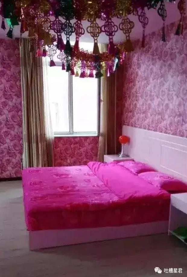 """Được phụ huynh chuẩn bị cho căn phòng tân hôn màu hồng """"sến rện"""", cô gái chỉ biết câm nín - Ảnh 1."""