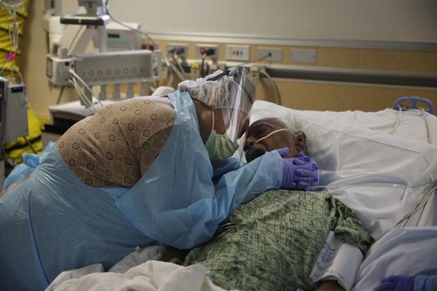 Trên 66,1 triệu ca mắc trên toàn cầu, số người tử vong vì COVID-19 vượt 1,5 triệu trường hợp - Ảnh 1.