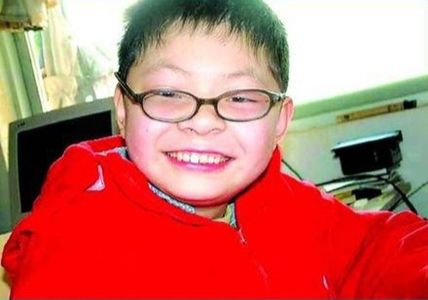 Nhờ phương pháp giáo dục sớm, cậu bé này 3 tuổi đã nhớ được 2000 ký tự nhưng kết cục sau đó khiến nhiều bố mẹ giật mình xem lại cách dạy con - Ảnh 1.