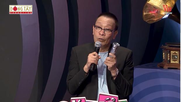 Đổi gà chọi lấy một chiếc đèn pin - cách giáo dục tế nhị của người bố dành cho MC Lại Văn Sâm - Ảnh 1.