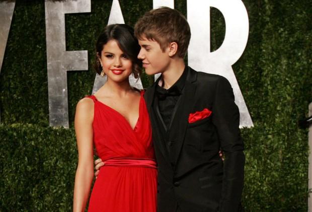 Biến căng: Fan Selena Gomez tập hợp lại để bắt nạt Hailey, Justin Bieber bức xúc đến mức dằn mặt lại ngay và luôn - Ảnh 3.