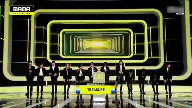 BTS toàn thắng tại MAMA 2020, BLACKPINK không tham dự vẫn vượt mặt TWICE gây bất ngờ, nhiều giải thưởng mới xuất hiện - Ảnh 2.