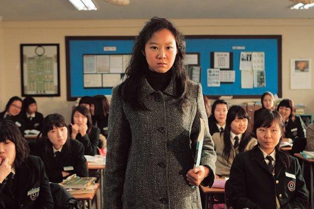 6 lần sao Hàn hóa xấu trên màn ảnh: Moon Ga Young mặt đầy mụn vẫn chưa sốc bằng màn phát phì của IU - Ảnh 6.