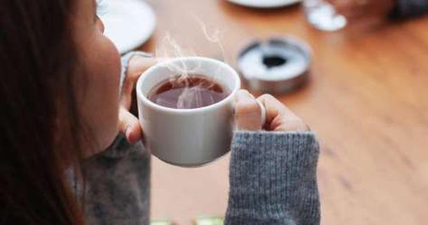 3 cách uống trà gây hại thận, hại dạ dày, thậm chí gây ung thư cho người uống, nhiều người Việt mắc phải mà không biết - Ảnh 2.