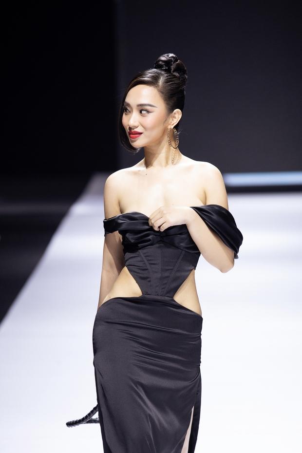 Nàng Hậu lộ vòng 1 ngay trên sàn diễn thời trang chính thức lên tiếng về sự cố nhạy cảm khi trình diễn - Ảnh 2.
