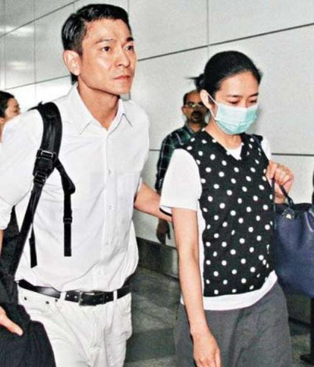 Lưu Đức Hoa gây xôn xao vì không đoái hoài đến con gái ốm nhập viện - Ảnh 3.