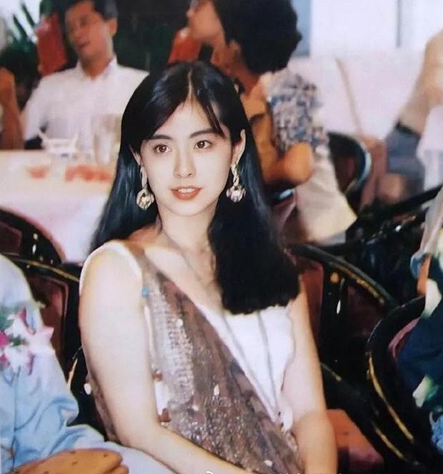 Tấm hình huyền thoại cực hiếm của 2 đại mỹ nhân Hong Kong 31 năm trước: Lý Nhược Đồng đã đẹp, Vương Tổ Hiền còn đỉnh hơn! - Ảnh 4.