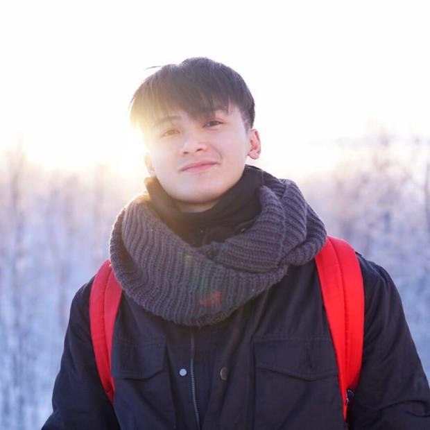 Chàng cựu du học sinh Nga lọt vào tầm ngắm hội mê trai đẹp vì vẻ ngoài giống Huỳnh Anh - Ảnh 1.