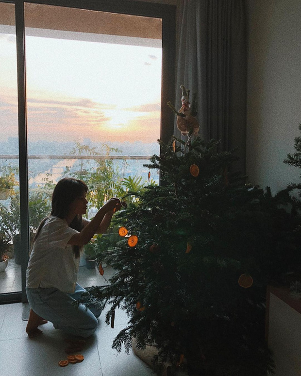 HOT nhất mùa Giáng sinh 2020 là những cây thông tiền triệu, từ Ngọc Trinh đến Cường Đô La đều chi mạnh cho thú vui này! - Ảnh 23.