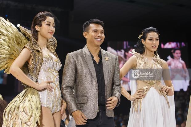 AVIFW 2020 khép lại bằng những BST của các NTK Việt đình đám: Một đêm nhiều cảm xúc với những ai được tận mắt chiêm ngưỡng - Ảnh 3.