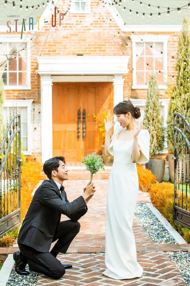 """""""Ảnh cưới"""" của Nam Joo Hyuk - Suzy khiến MXH dậy sóng: Nhan sắc """"bùng nổ"""" cả đôi, ngọt đến mức netizen nghi phim giả tình thật - Ảnh 4."""