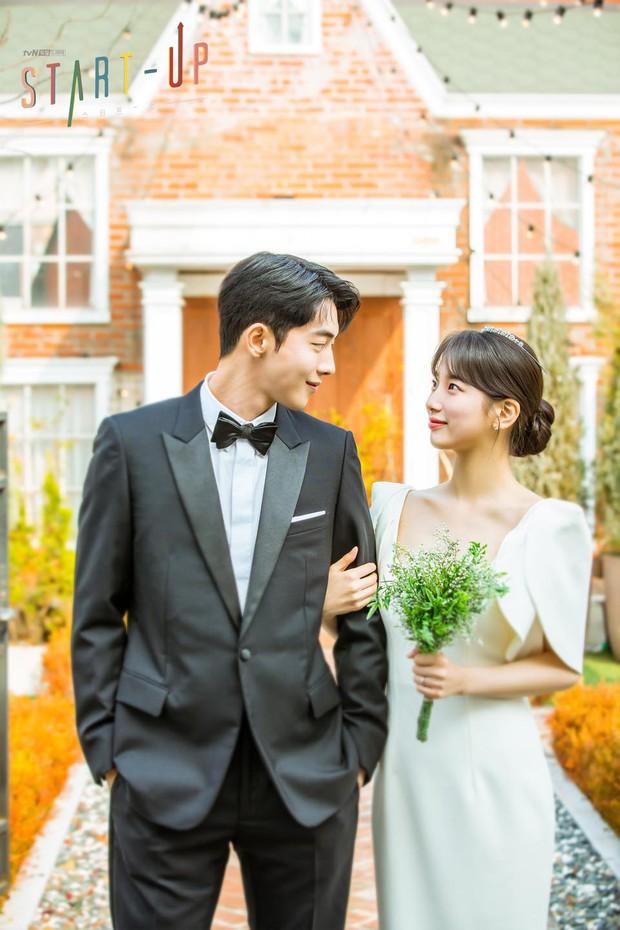 """""""Ảnh cưới"""" của Nam Joo Hyuk - Suzy khiến MXH dậy sóng: Nhan sắc """"bùng nổ"""" cả đôi, ngọt đến mức netizen nghi phim giả tình thật - Ảnh 3."""