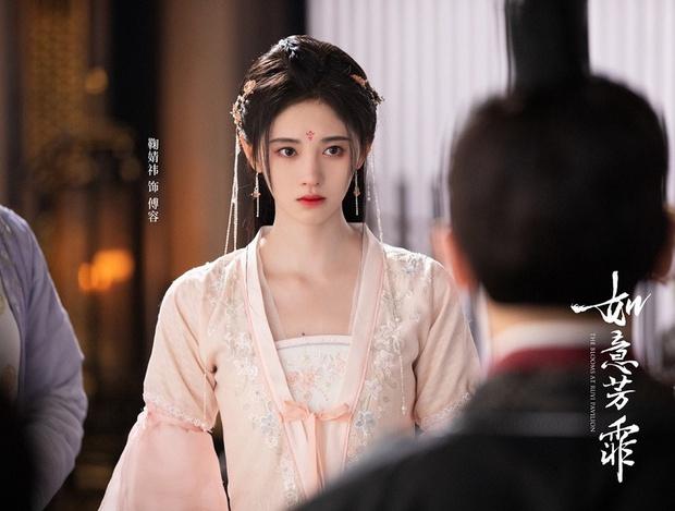 Top 10 sao nữ được yêu thích nhất 2020: Dương Mịch xếp thứ 8, Triệu Lệ Dĩnh - Dương Tử bị mỹ nhân khác cướp ngôi quán quân - Ảnh 3.