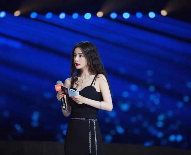 Top 10 sao nữ được yêu thích nhất 2020: Dương Mịch xếp thứ 8, Triệu Lệ Dĩnh - Dương Tử bị mỹ nhân khác cướp ngôi quán quân - Ảnh 4.