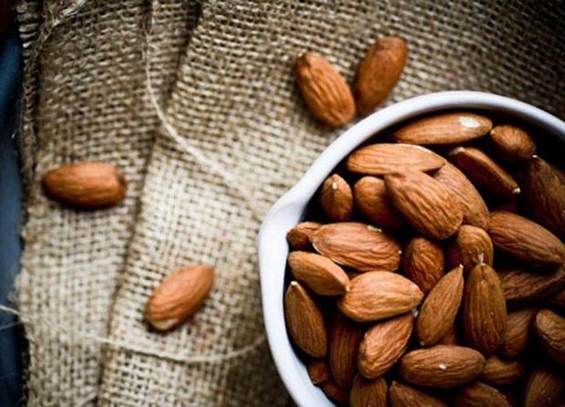 Hạt dẻ tốt, nhưng nếu không muốn hại sức khỏe, tuyệt đối không ăn kèm với những thực phẩm này - Ảnh 3.