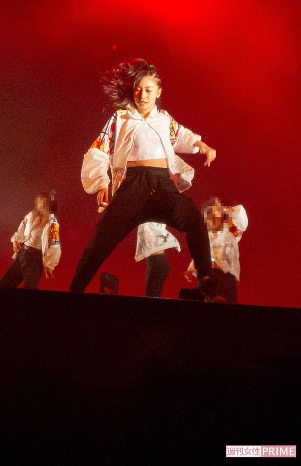 Công chúa xinh đẹp nhất Nhật Bản gây sốt cộng đồng mạng với loạt ảnh quá khứ nhảy múa như nữ idol thực thụ - Ảnh 4.