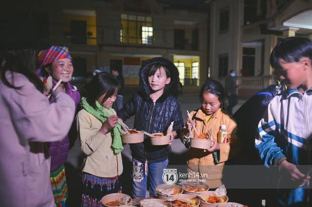 Ẩm thực 3 miền Việt đa dạng và hấp dẫn quá: Người Mông bất ngờ vì lần đầu tiên nếm thử món ăn miền xuôi - Ảnh 9.