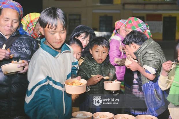 Ẩm thực 3 miền Việt đa dạng và hấp dẫn quá: Người Mông bất ngờ vì lần đầu tiên nếm thử món ăn miền xuôi - Ảnh 10.