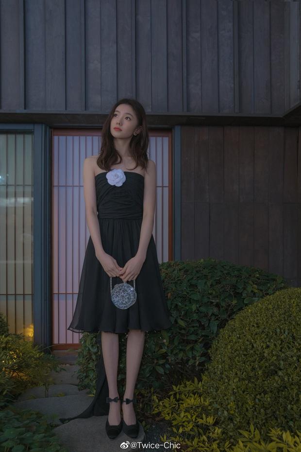 Jennie đụng váy với Mưu nữ lang 2K: Đại sứ Chanel sang chảnh lấn át, Lưu Hạo Tồn bị ví như hot girl mạng - Ảnh 3.