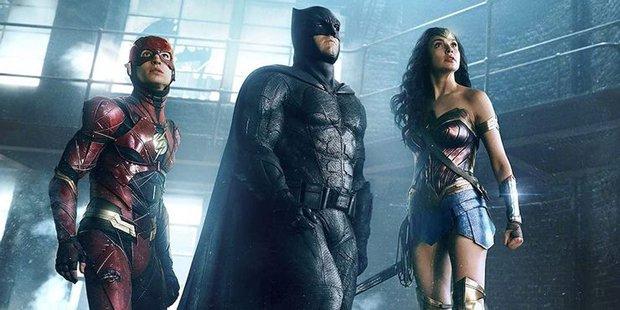 5 sai lầm siêu to khổng lồ của hội siêu nhân DC mà chị đẹp Wonder Woman 1984 làm ơn né giùm kẻo toang! - Ảnh 4.