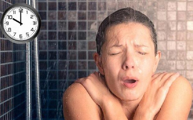 Thêm một trường hợp thanh niên 23 tuổi tử vong do tắm đêm: Những cấm kị khi tắm để tránh nguy hiểm tính mạng - Ảnh 2.