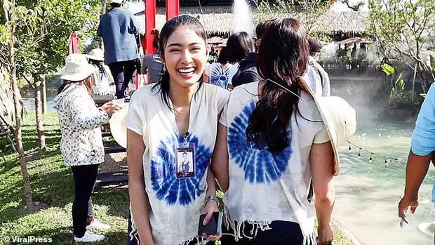 Sự cố có 1-0-2 trong lịch sử Miss Thailand: Mải tạo dáng chụp ảnh, dàn thí sinh hốt hoảng tột độ, la thất thanh vì... cầu sập - Ảnh 8.