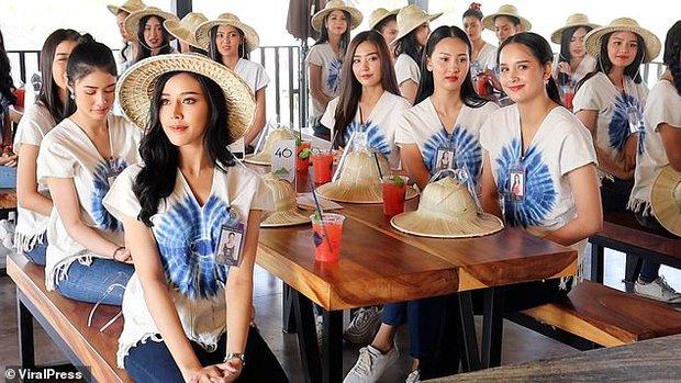 Sự cố có 1-0-2 trong lịch sử Miss Thailand: Mải tạo dáng chụp ảnh, dàn thí sinh hốt hoảng tột độ, la thất thanh vì... cầu sập - Ảnh 9.