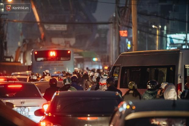 Chuyện ở Hà Nội: Ùn tắc không mất đi, nó chỉ chuyển từ đường này sang đường khác! - Ảnh 7.