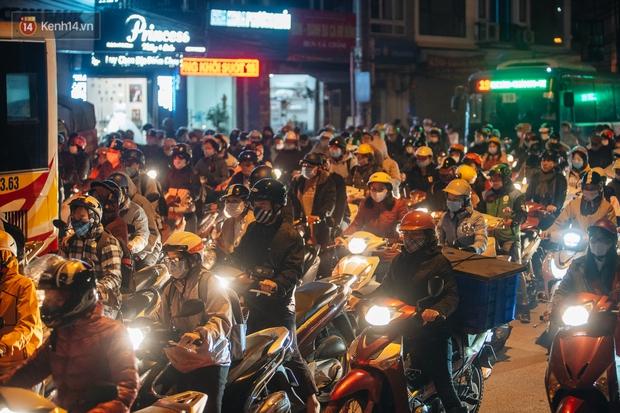 Chuyện ở Hà Nội: Ùn tắc không mất đi, nó chỉ chuyển từ đường này sang đường khác! - Ảnh 9.
