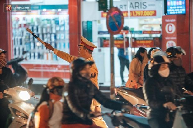 Chuyện ở Hà Nội: Ùn tắc không mất đi, nó chỉ chuyển từ đường này sang đường khác! - Ảnh 19.