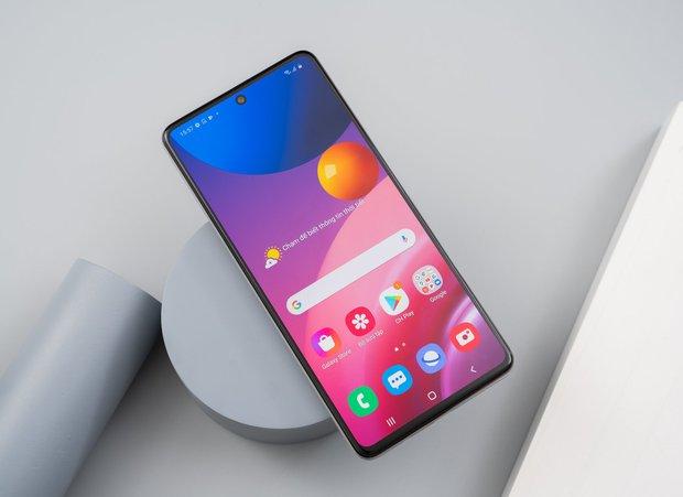 """Nhìn lại cuộc đua smartphone những năm gần đây: Người dùng đang bị """"lừa"""" bởi rất nhiều thứ thừa thãi đến vô lý! - Ảnh 14."""