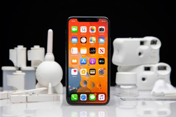 """Nhìn lại cuộc đua smartphone những năm gần đây: Người dùng đang bị """"lừa"""" bởi rất nhiều thứ thừa thãi đến vô lý! - Ảnh 3."""
