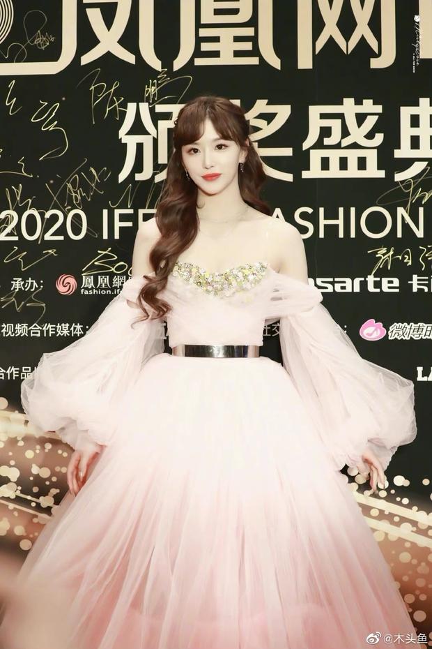 Dàn sao đổ bộ sự kiện Phượng Hoàng: Khổng Tuyết Nhi gây bão với visual công chúa, Jia (Miss A) chặt chém vì hình ảnh cực bốc - Ảnh 3.