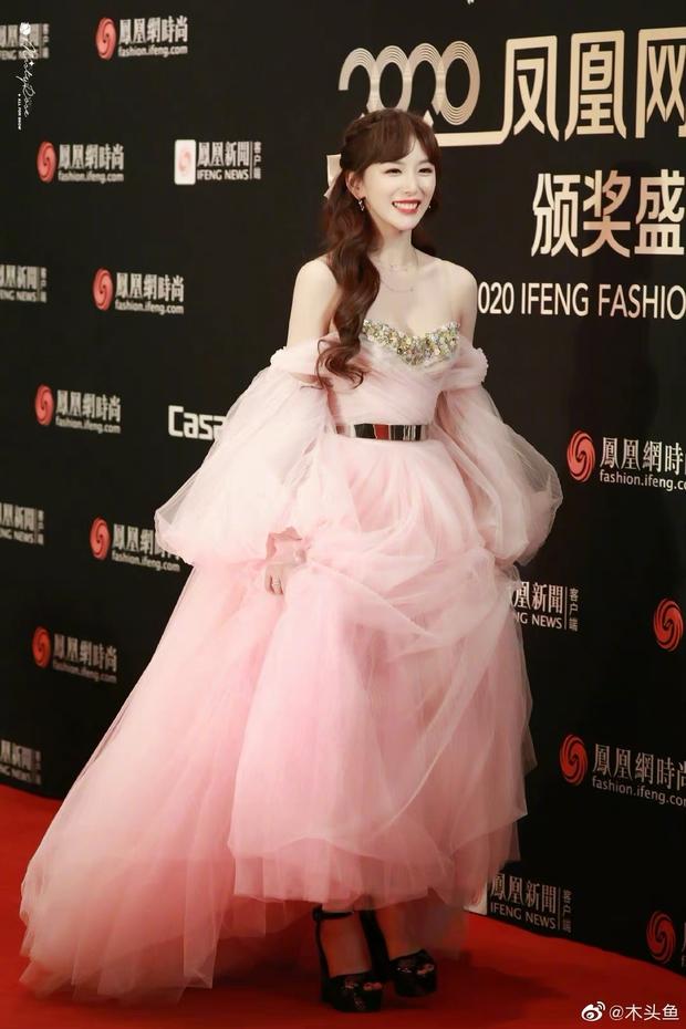 Dàn sao đổ bộ sự kiện Phượng Hoàng: Khổng Tuyết Nhi gây bão với visual công chúa, Jia (Miss A) chặt chém vì hình ảnh cực bốc - Ảnh 4.